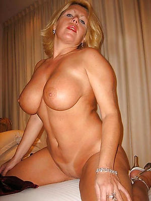 Best pics of naked of age housewife