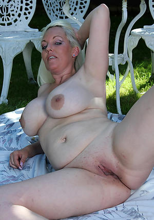 Lovely amateur mature housewife pics