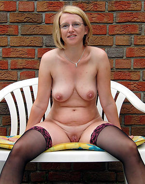 Nude tiro mature housewife