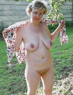 Slutty mature unclad gentry photos