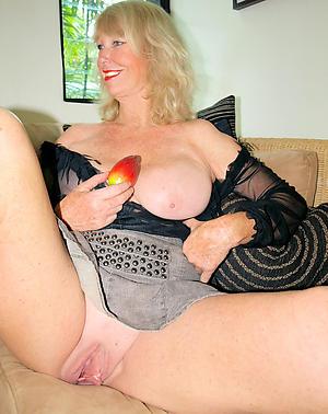 Naughty beautiful adult ladies pics