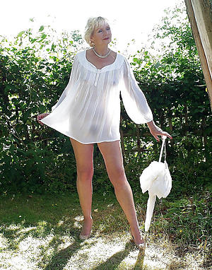Sexy free amateur mature nipper nude