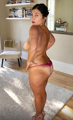 Downcast amateur mature hot ladies
