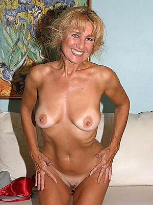 Real sexy hot grown up cougar