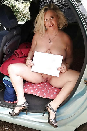 Real horny full-grown in car unconforming gallery