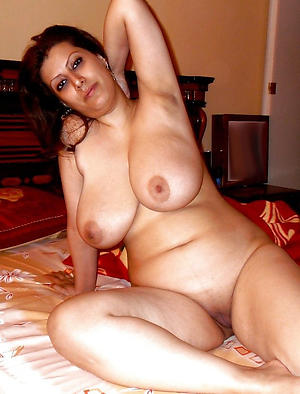 Real sizzling hot nude women