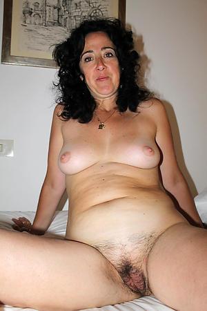 Slutty mature cunt porn pictures