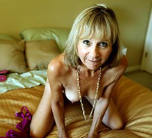 Naughty grown up amateur nude pics