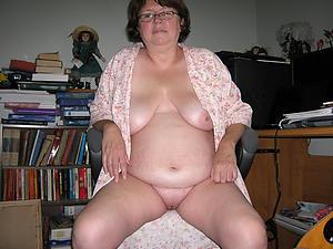 Xxx mature sluts naked