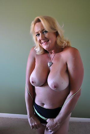 Best pics of mature whore porn