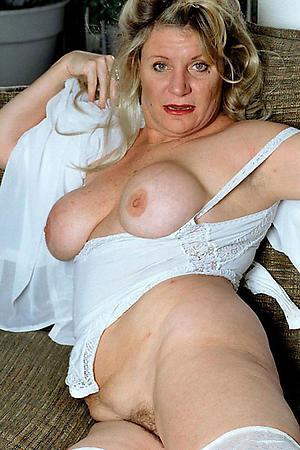 Inexperienced sexy mature women xxx