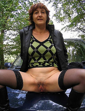 Inviting nude mature xxx