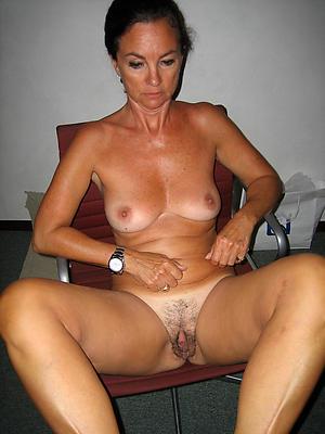 Slutty nude brunette women