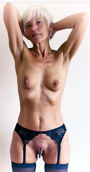 Skinny mature saggy tits