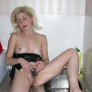 Xxx mature women with small tits