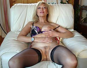 Amateur hot women in stockings