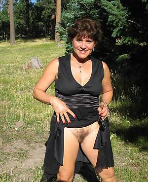 Amateur single mature ladies