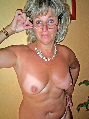 Fresh hot naked mature women