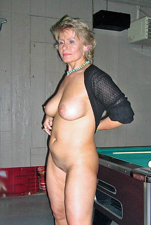 Amateur pics of mature lady naked