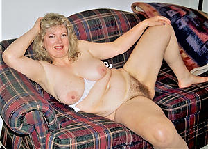 Sweet mature lady denude