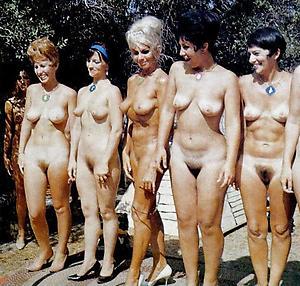 Pretty vintage mature women pics