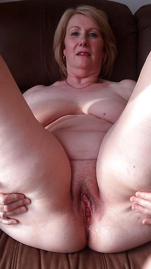 Inexperienced mature pole pussy pics