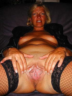 Hot mature pussy close up