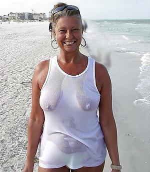 Amateur pics of mature white woman