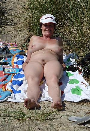 Nude pics of mature white women