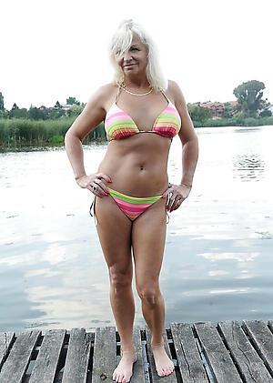 Free hot women adjacent to bikinis