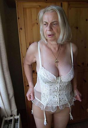 Amateur pics of erotic naked women