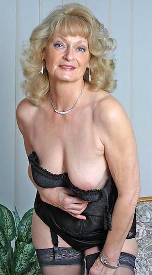 Horny nude erotic women