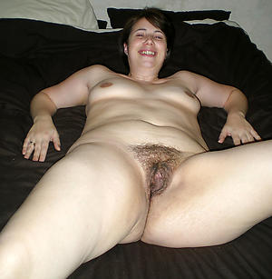 Attractive unshaved mature pussy anateur images