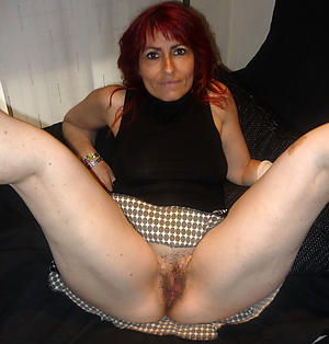 Sexy unshaved hairy pussy