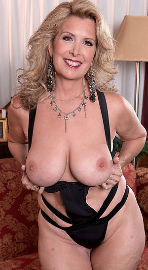 Nude mature busty babes
