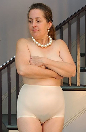 Busty classic mature naked photos