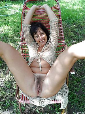 Horny mature cunt pics