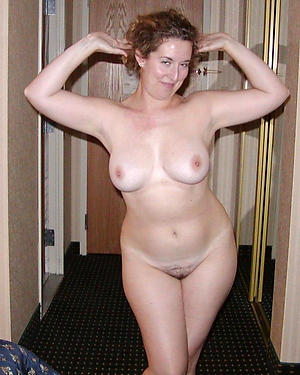 Free nude mature indifferent pics