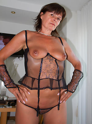 Gorgeous mature private pics