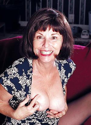 Slutty mature brunette woman bush-leaguer pics