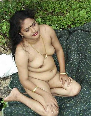 Mature indian nude pictures