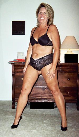 Pretty nude mature xxx pics