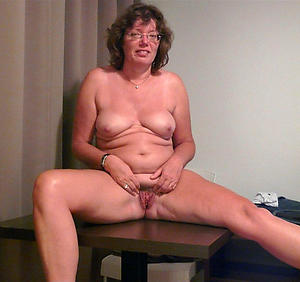 Busty xxx mature sex pics