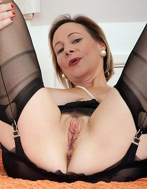 Naked mature vagina pics