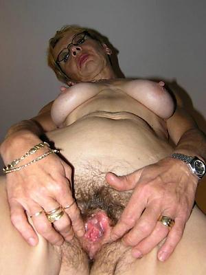 Nude unshaved mature women pics