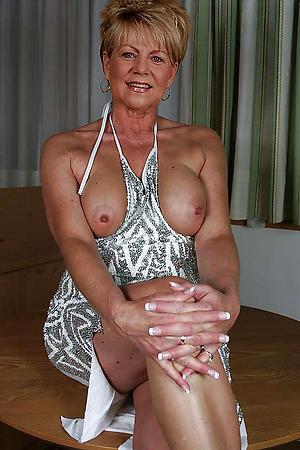 Nude babes mature photos