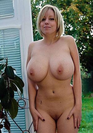 Hot mature busty amateurs pics