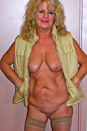Free mature blonde pussy pictures