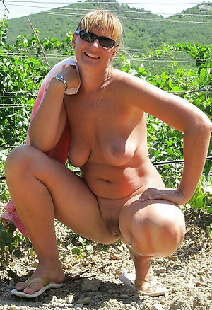 Real old blonde milfs sex pics