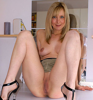 Xxx free mature blonde galleries